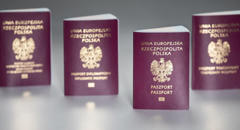 """Ważne, """"Bóg Honor Ojczyzna"""" każdym nowym paszporcie - zdjęcie, fotografia"""
