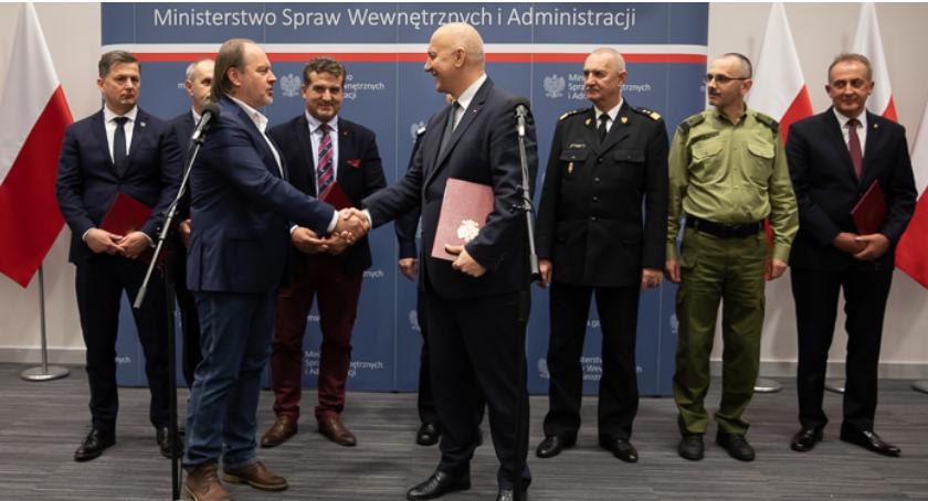 Policja Radom/Policja Mazowiecka, porozumienie MSWiA związków zawodowych funkcjonariuszy - zdjęcie, fotografia
