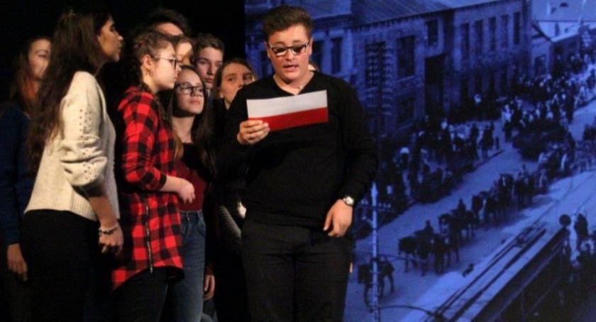 """Teatr, """"Nie dostaliśmy Polski Darmo"""" - zdjęcie, fotografia"""