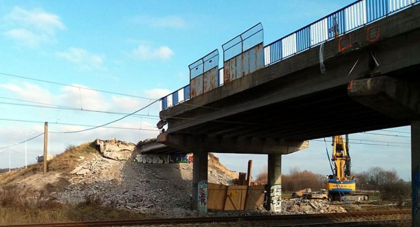 Inwestycje, Zaczęła rozbiórka wiaduktu przebudowywanej Wojska Polskiego - zdjęcie, fotografia