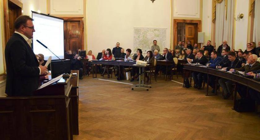 Informacje z Radomia i okolic , Miasto będzie emitowało obligacji [FOTO] - zdjęcie, fotografia