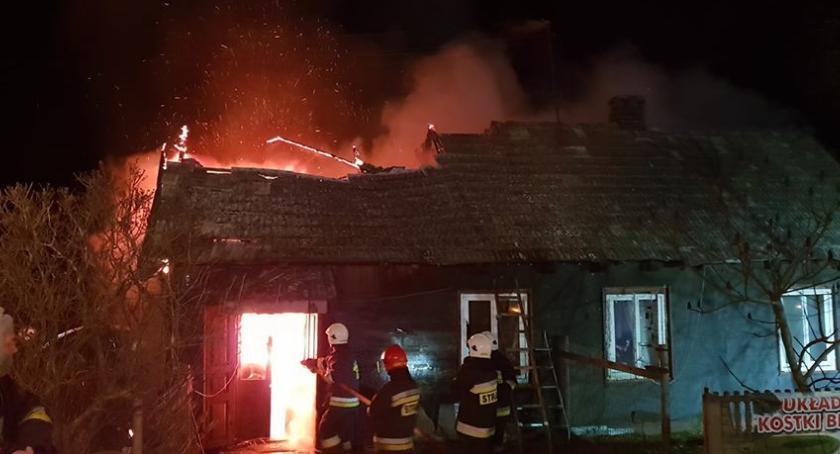 Powiat Radomski, Pożar gminie Skaryszew Spłonął drewniany - zdjęcie, fotografia