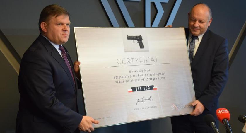 """Inwestycje, Pistolety trafią polskiej armii Wyprodukuje Fabryka Broni """"Łucznik"""" [FOTO] - zdjęcie, fotografia"""