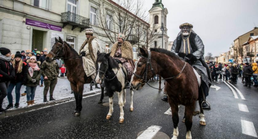 Wydarzenia, Orszak Trzech Króli przeszedł ulicami Radomia - zdjęcie, fotografia