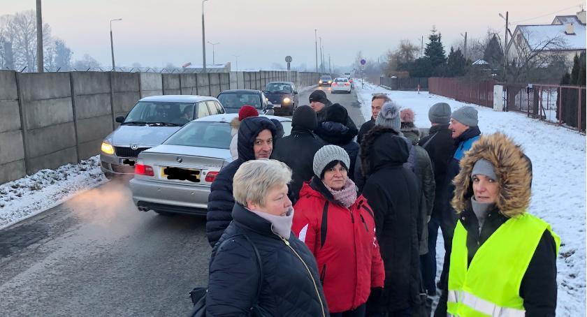 Wydarzenia, Walki chodnik Sadkowie ciąg dalszy Spotkanie Mieszkanców Wójtem [FOTO] - zdjęcie, fotografia