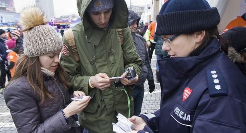 Policja Radom/Policja Mazowiecka, Policjanci całym kraju zadbają bezpieczeństwo podczas Finału WOŚP - zdjęcie, fotografia