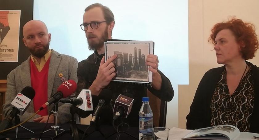Informacje z Radomia i okolic , Cenne macewy radomskiego cmentarza żydowskiego odnalezione! [FOTO] - zdjęcie, fotografia