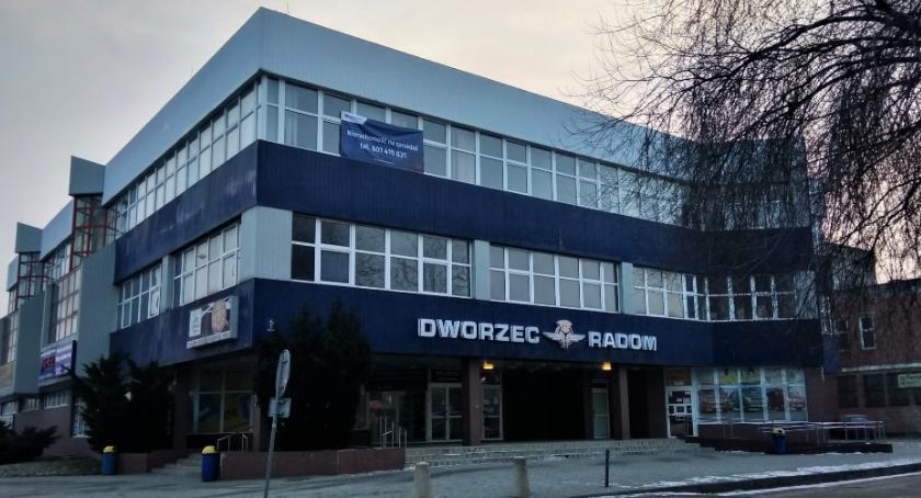 Informacje z Radomia i okolic , Budynek radomskiego dworca idzie sprzedaż [FOTO] - zdjęcie, fotografia