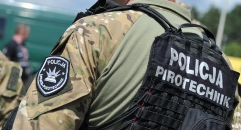 Kronika kryminalna, Sprawca fałszywego alarmu bombowego zatrzymany przez policjantów - zdjęcie, fotografia