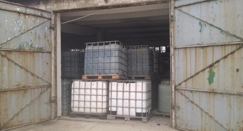 Kronika kryminalna, Ponad toksycznych odpadów mogących powodować odkryto Borkowicach - zdjęcie, fotografia