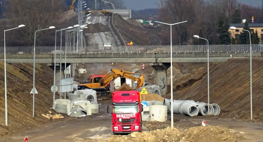 Inwestycje, Przebudowana aleja Wojska Polskiego będzie gotowa lecie otwarcia - zdjęcie, fotografia