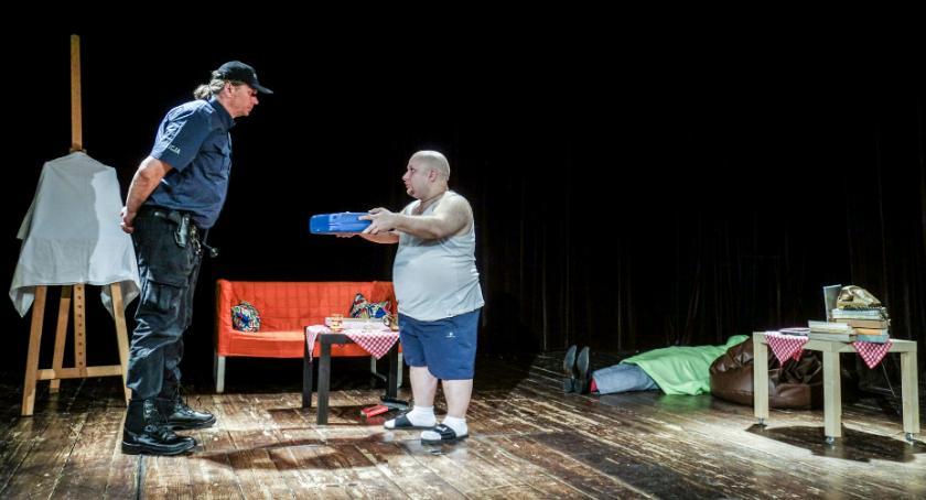 Teatr, scaenica Wielka płyta komedia sąsiedzka - zdjęcie, fotografia