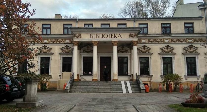 Książki, Igła krawiec Skaryszewa Promocja książki Miejskiej Bibliotece Publicznej - zdjęcie, fotografia
