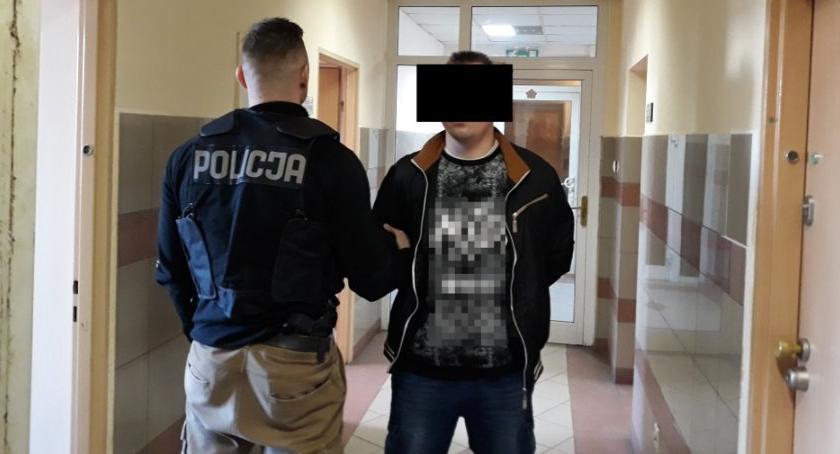 Kronika kryminalna, Areszt podejrzanego posiadanie treści pornograficznych udziałem małoletnich - zdjęcie, fotografia