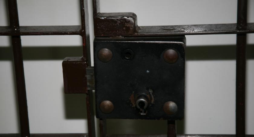 Kronika kryminalna, Areszt posiadanie handel substancjami psychoaktywnymi - zdjęcie, fotografia