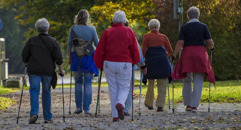 """Sport - Inne, """"Nordic Walking"""" aktywnych - zdjęcie, fotografia"""