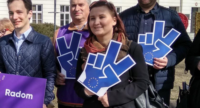 Polityka, Paulina Piechna Więckiewicz liderką listy Biedronia Mazowszu - zdjęcie, fotografia