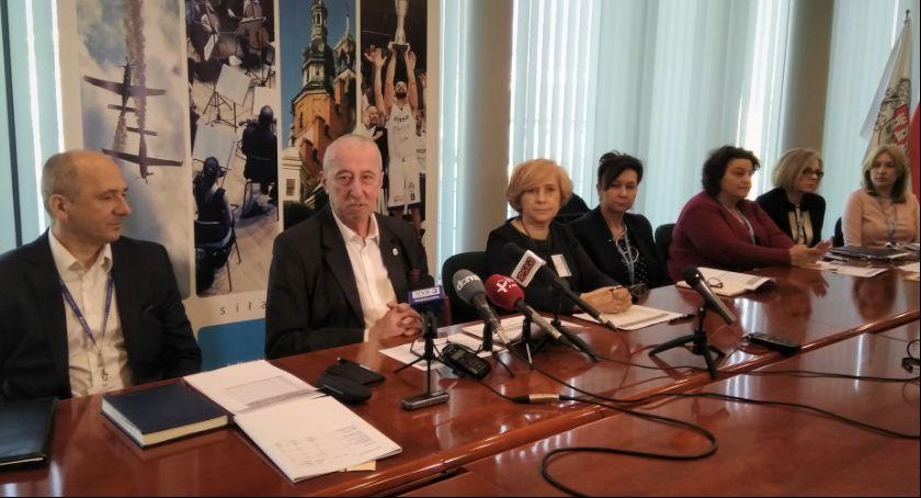 Ważne, Ogólnopolski strajk nauczycieli Sprawdź przebiega Radomiu - zdjęcie, fotografia