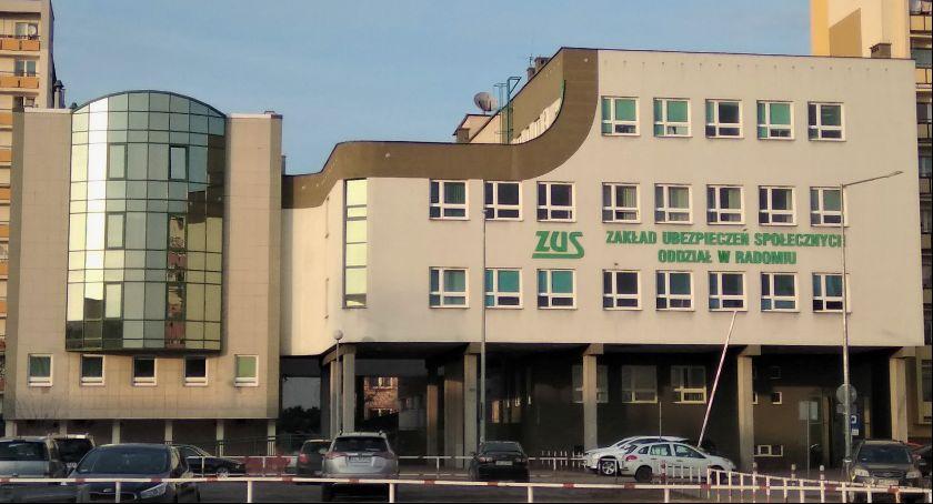 Informacje z Radomia i okolic , Emeryci często dorabiają - zdjęcie, fotografia