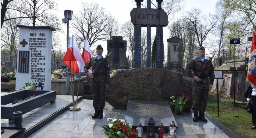 Wydarzenia, Uczczą pamięć ofiar Zbrodni Katyńskiej - zdjęcie, fotografia