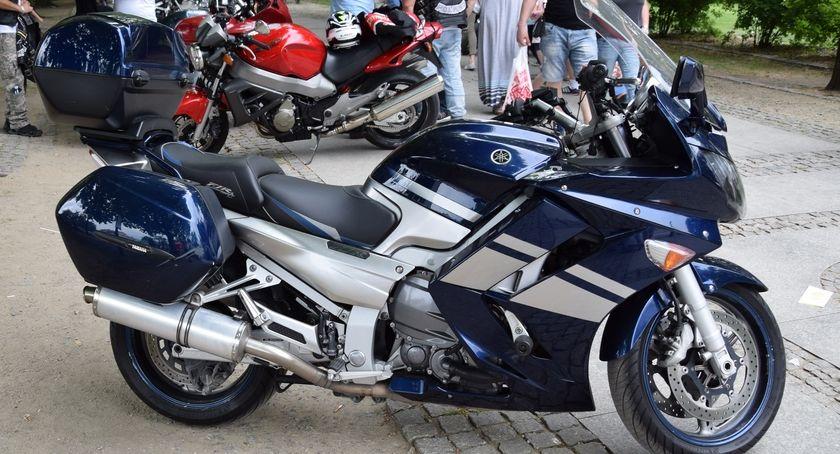 Komunikaty i ogłoszenia, Utrudnienia ruchu podczas przejazdu kolumny motocykli - zdjęcie, fotografia