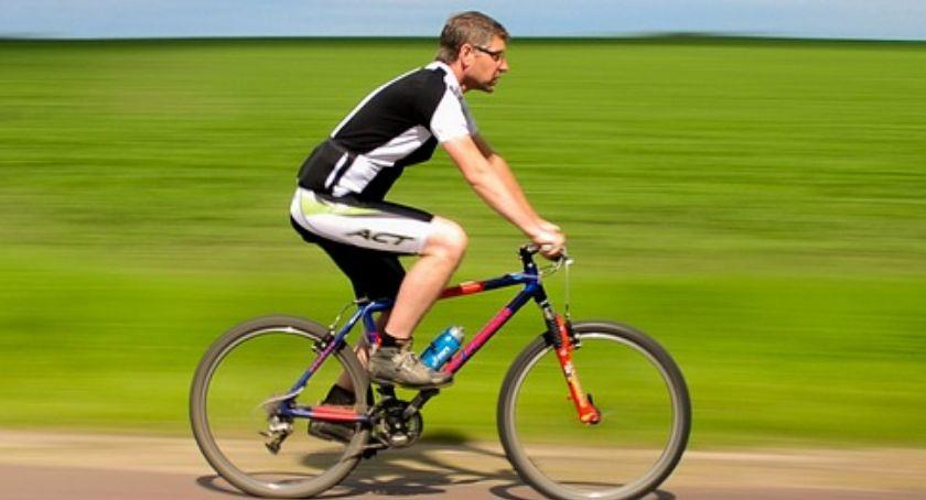 Komunikaty i ogłoszenia, Utrudnienia podczas przejazdu kolumny rowerzystów - zdjęcie, fotografia