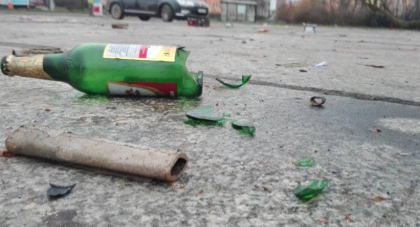Interwencja, Straż Miejska Radomiu Coraz więcej nieletnich spożywa alkohol - zdjęcie, fotografia