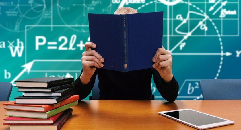 Edukacja, Zintegrowany System Zarządzania Oświatą nowymi funkcjami - zdjęcie, fotografia