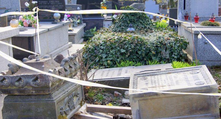 Informacje z Radomia i okolic , Ruszyły prace renowacyjne radomskim cmentarzu rzymskokatolickim [FOTO] - zdjęcie, fotografia
