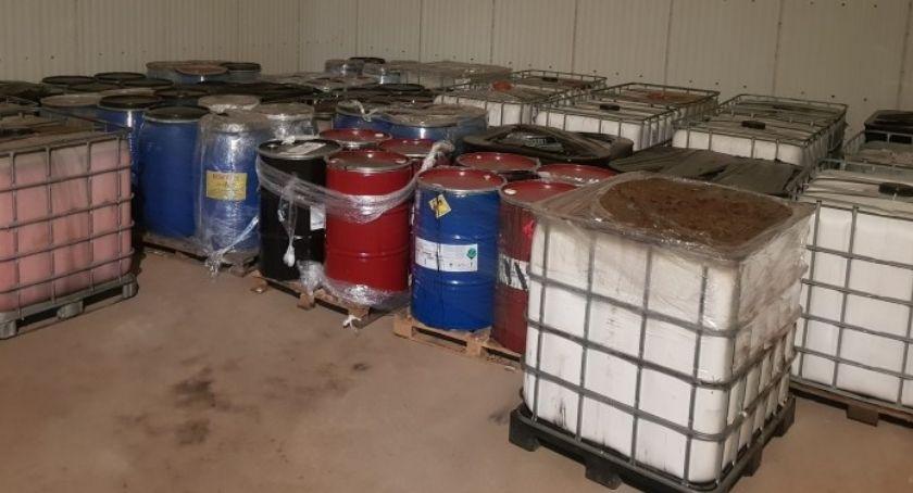 Kronika kryminalna, Zatrzymani nielegalne składowanie niebezpiecznych odpadów - zdjęcie, fotografia