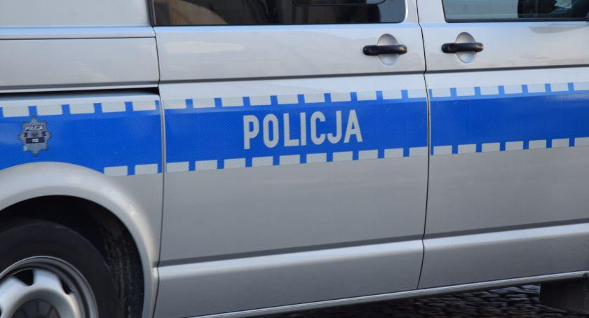 Kronika kryminalna, Kryminalni zatrzymali mężczyznę podejrzanego uszkodzenie radiowozów - zdjęcie, fotografia
