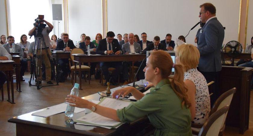 Informacje z Radomia i okolic , Prezydent Radosław Witkowski wotum zaufania [FOTO] - zdjęcie, fotografia