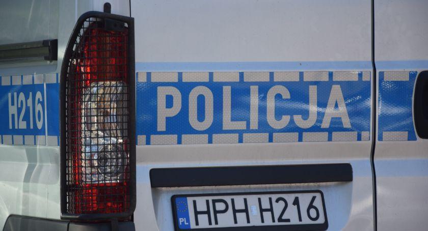 Kronika kryminalna, Poszukiwany rękach policjantów drogówki - zdjęcie, fotografia