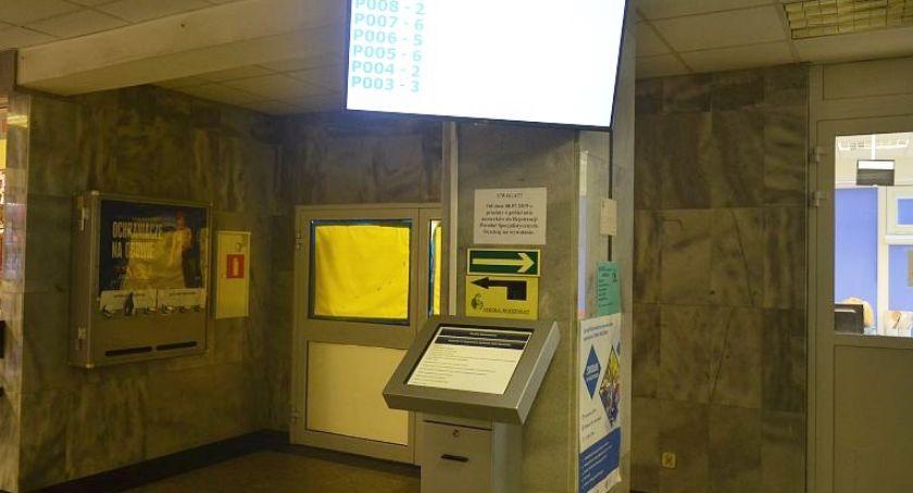 Służba zdrowia, Biletomaty szpitalu Józefowie - zdjęcie, fotografia