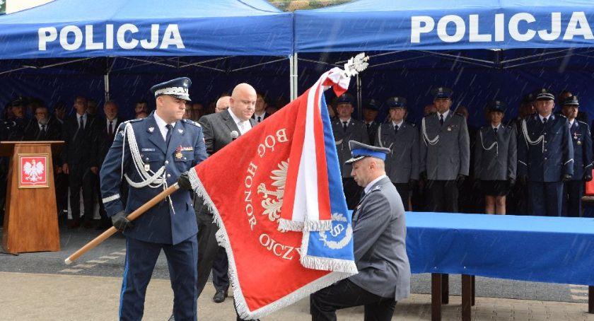 Policja Radom/Policja Mazowiecka, Święto Policji nadanie wręczenie sztandaru Komendzie Powiatowej Policji Kozienicach - zdjęcie, fotografia
