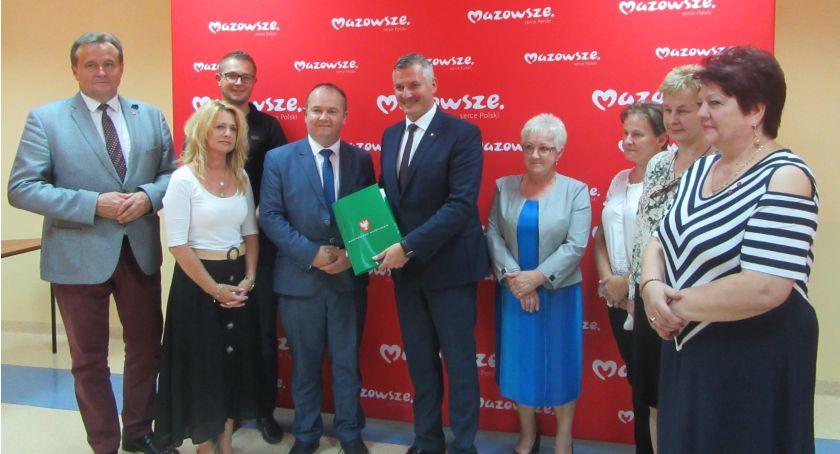Inwestycje, Ponad budżetu Mazowsza powiatu radomskiego - zdjęcie, fotografia