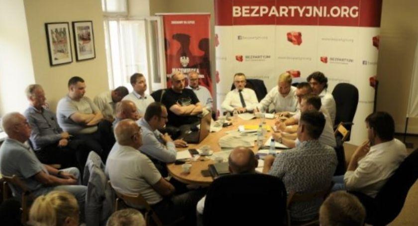Polityka, Bezpartyjni Samorządowcy startują samodzielnie Komitet Wyborczy Wyborców - zdjęcie, fotografia