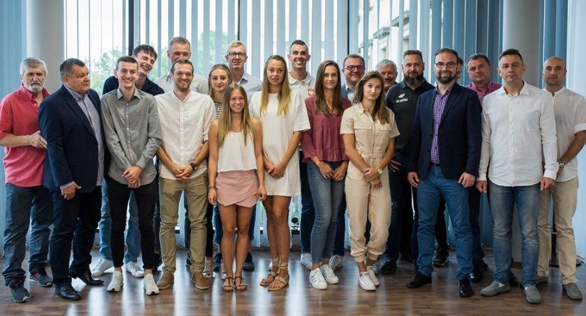 Sport - Inne, Radomscy lekkoatleci przygotowują Mistrzostw Polski - zdjęcie, fotografia