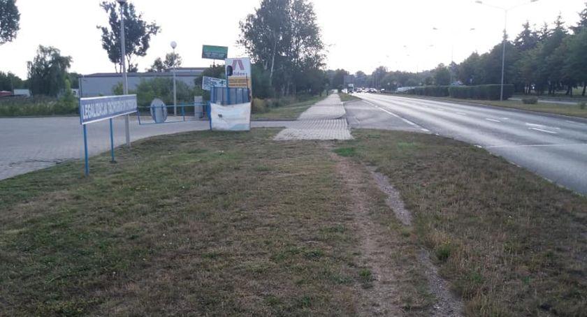 Inwestycje, Radomski Program Drogowy Powstanie chodnik Maratońskiej - zdjęcie, fotografia