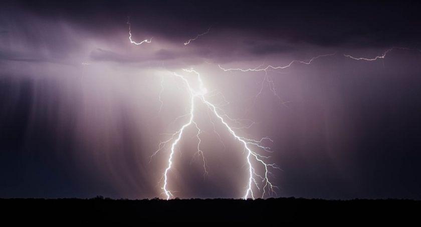 Prognoza pogody, Ostrzeżenie burze gradem - zdjęcie, fotografia