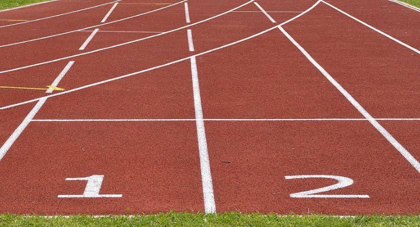 Sport - Inne, Rozpoczynają Mistrzostwach Polski Lekkiej Atletyce - zdjęcie, fotografia