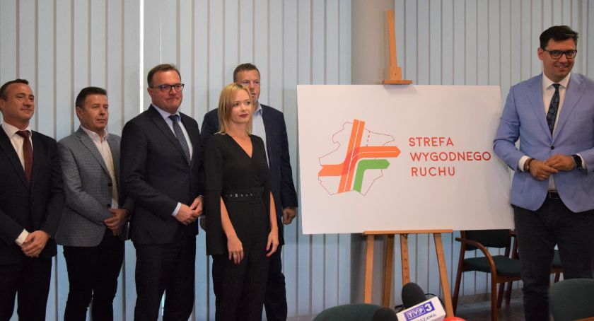 Inwestycje, Umowa realizację drugiego etapu trasy Radomiu podpisana [FOTO] - zdjęcie, fotografia