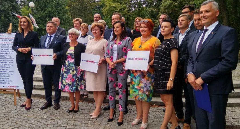 Polityka, Koalicja Obywatelska zaprezentowała oficjalną listę kandydatów Sejmu Senatu [FOTO] - zdjęcie, fotografia