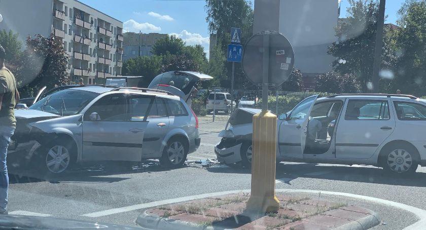 Wypadki, Wypadek skrzyżowaniu Zbrowskiego Paderewskiego! [FOTO] - zdjęcie, fotografia