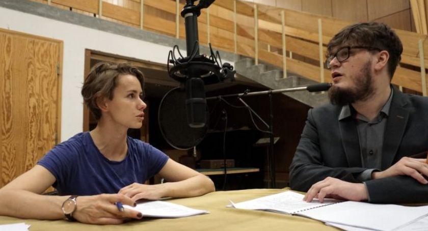 Inne, Głosy głowy Teatr radiowy zapisy warsztaty słuchowiskowe - zdjęcie, fotografia