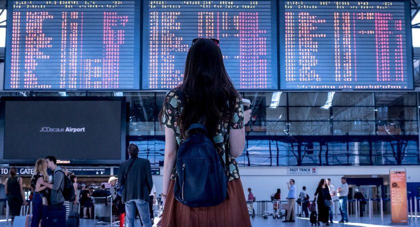 Ważne, Turyści planowo wracają kraju - zdjęcie, fotografia