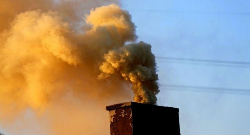 Interwencja, Rozpoczęcie sezonu grzewczego Straż Miejska wzmożyła kontrole spalania odpadów - zdjęcie, fotografia