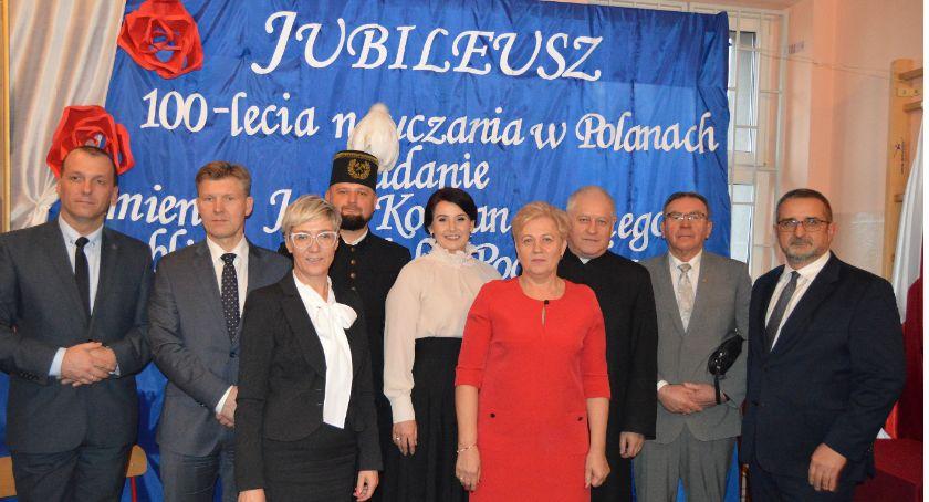 Edukacja, Jubileusz lecia nauczania Polanach Nadanie Publicznej Szkole Podstawowejimienia Kochanowskiego [FOTO] - zdjęcie, fotografia