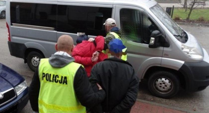 Kronika kryminalna, Dwóch podejrzanych rozbój trafiło miesiące aresztu - zdjęcie, fotografia