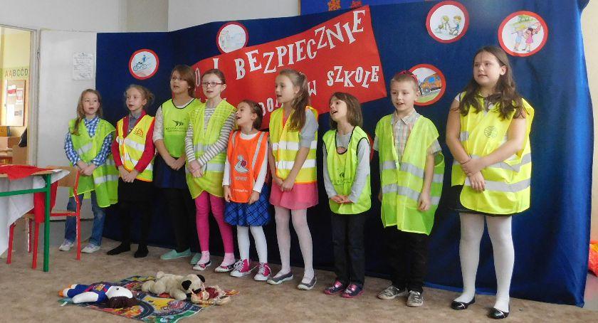 Informacje z Radomia i okolic , Przedstawienie uczniów [GALERIA] - zdjęcie, fotografia